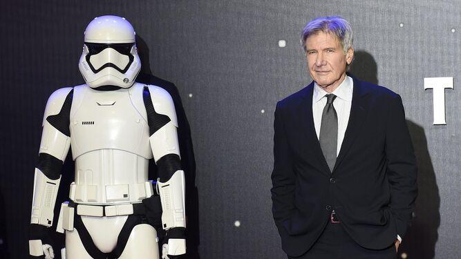 Harrison Ford ist 75 Jahre alt.