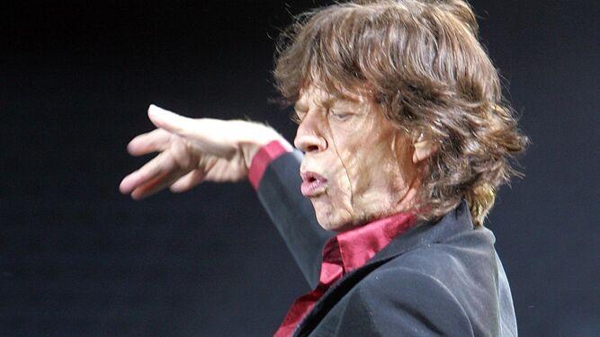 Mick Jagger ist 74 Jahre alt.